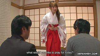 Japanese geisha Yui Misaki does everything their way clients plan