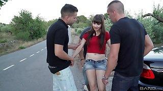 Brunette teen floosie Luna Rival gangbanged and creampied outdoor