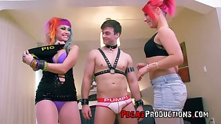 Bright bitch with juicy arse Vandal Vyxen wanna be fucked liberally during MFF