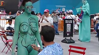Bodypainting on be imparted to murder private parts of women - World Bodypaint